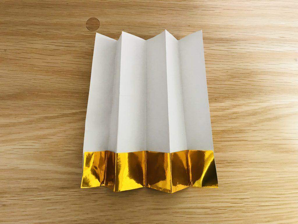 折り紙で金屏風